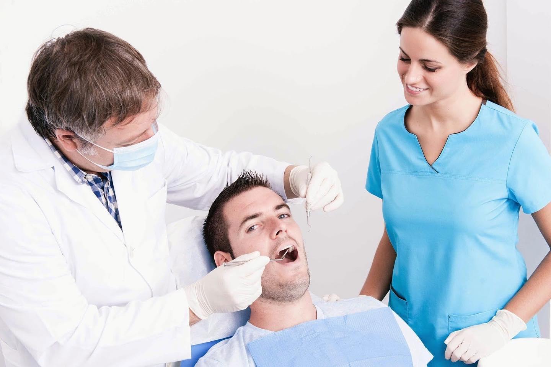 """Курс потребительства №9 """"Плохие зубы""""⠀Паша совершенно не страдает от зубной боли. Он знает, что у него глубокий кариес на четырнадцати зубах… но вот конкретно сейчас ничего не болит и визит к стоматологу, вроде как, можно пока отложить.⠀Паша понимает, что кариес – это не насморк, сам по себе он не пройдет. Паша понимает, что вставлять протезы – это и долго, и больно, и дорого. Паша понимает, что затягивать с визитом к стоматологу не стоит.⠀Но у него сейчас столько разных дел, и у него сейчас столько срочных трат… Ну, вылечит Паша сейчас один зуб. И что изменится? Ведь останется еще тринадцать больных.⠀Матрица редко оставляет своим рабам силы заботиться о здоровье. Матрица требует от рабов сначала расплатиться по ее счетам.⠀#инвестиции #forex #фондовыйрынок #ipo #акции #финансоваяграмотность #nsannikov #финансы #свобода #семья #время #команда #бизнес"""